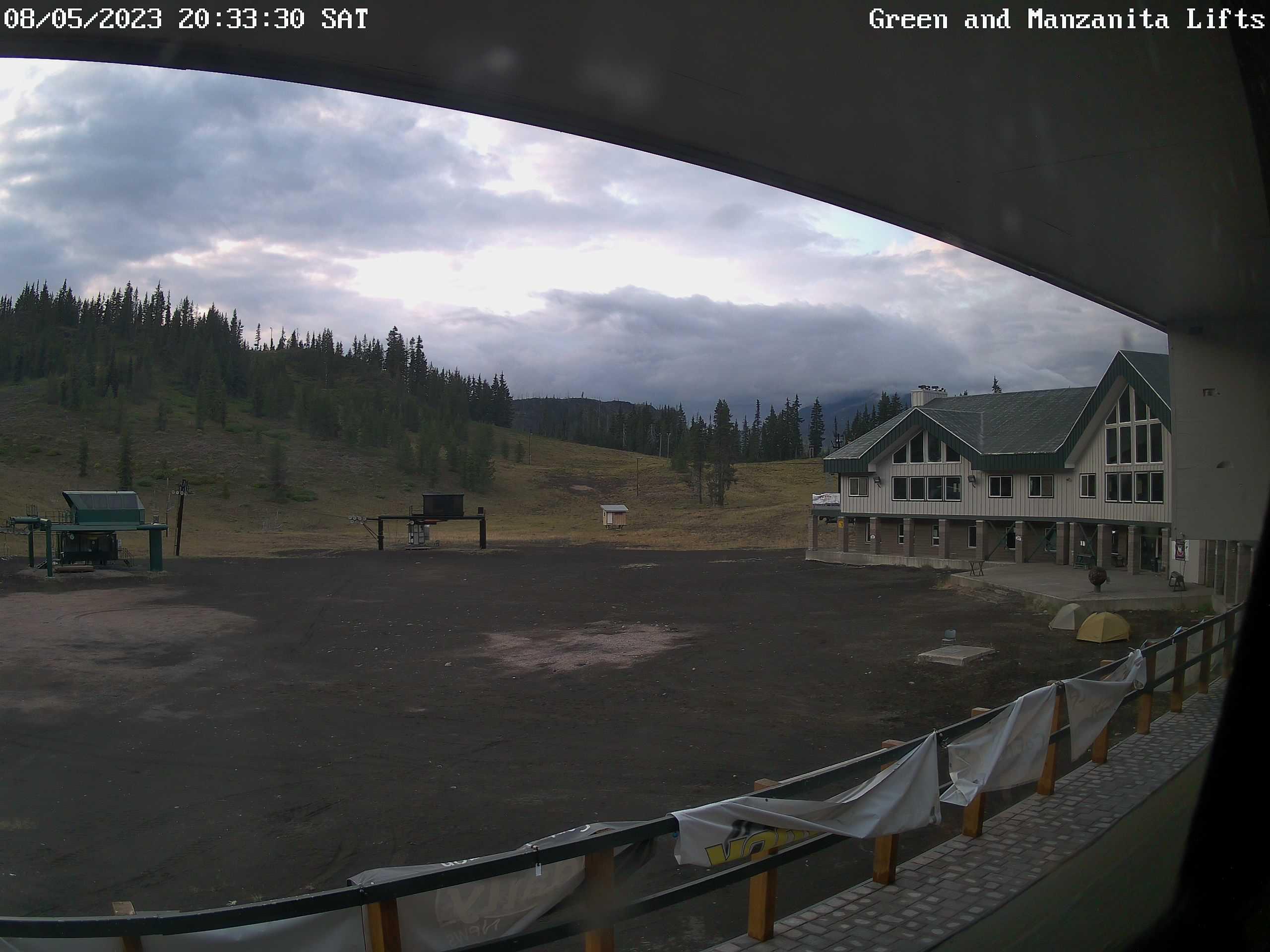 Hoodoo – Base Area webcam image